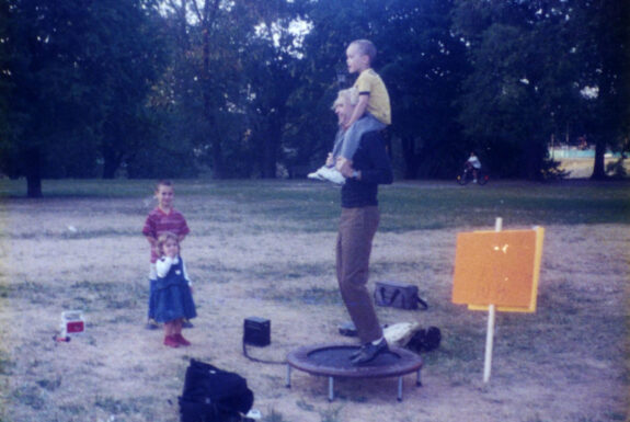 Matias Rozenberg performing The World Is my Trampoline at Sediment | Trinity Bellwoods Park