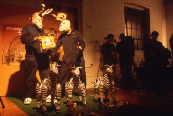 Los Mixiques perform Fotos 5.0 The Planet of Los Burros, 7a*11d 1998