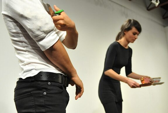 Francis O'SHaughnessy & Sara Létourneau performing 'I have nothing to say about my day' at XPACE.