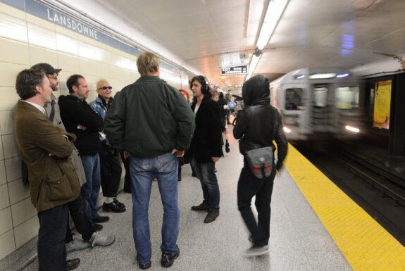 Denis Romanovski perfroming on the TTC subway platform