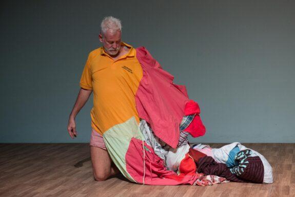 Johannes Zits performing Body Traps at Geary Lane