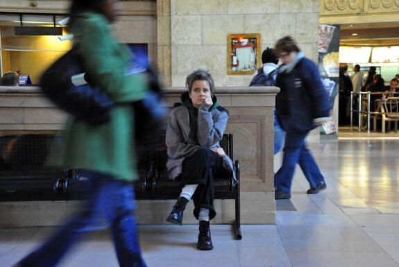 karen elaine spencer performing 'sittin' at Union Station.